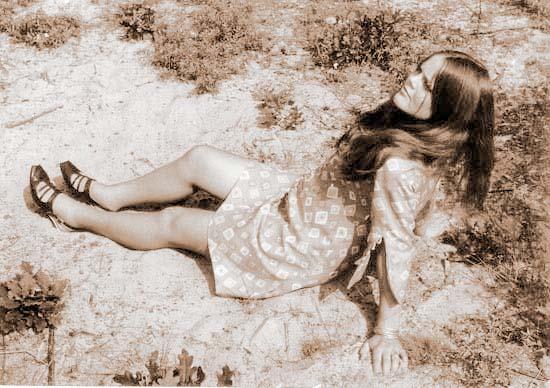 16.    1967. In Bakkum, acht maanden zwanger