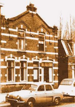 5.  Ouderlijk huis, Stationsstraat, Koog